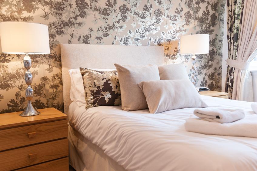 geschmackvolle einrichtungsideen f r das wohn und schlafzimmer im besten alter. Black Bedroom Furniture Sets. Home Design Ideas